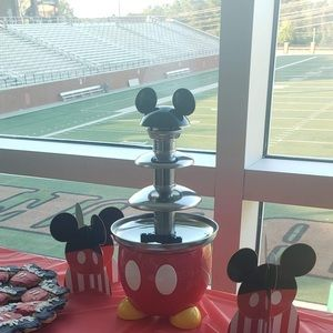 Mickey Mouse Chocolate🍫 Fountain ⛲️